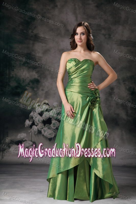 Modest Green Sweetheart Long Dresses for High School Party with Flowers