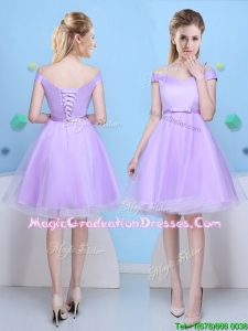 Elegant Deep V Neckline Lavender Graduation Dress with Cap Sleeves