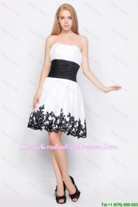 Cute Strapless Short Graduation Dresses with Belt and Appliques