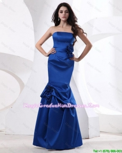 Cheap Mermaid Hand Made Flowers Graduation Gowns in Royal Blue