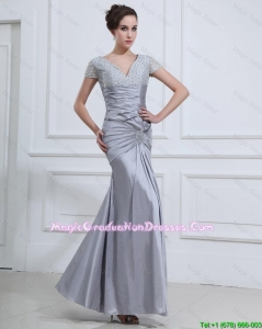 Wonderful Mermaid V Neck Amazing Graduation Dresses with Beading in Silver