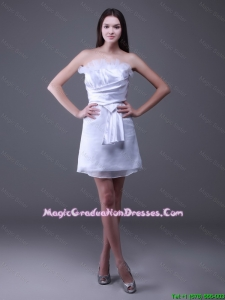 New Arrivals Strapless Ruffles Short Amazing Graduation Dresses in White
