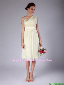 Pretty Knee Length One Shoulder Discount Graduation Dresses in Light Yellow
