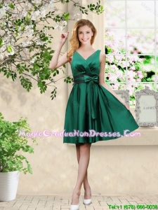 Wonderful V Neck Bowknot Hunter Green Graduation Dresses with Knee Length