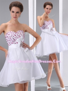 Popular Sweetheart White Short Graduation Dresses with Beading