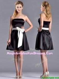2016 Romantic A Line Strapless White Be-ribboned Short Graduation Dress in Black