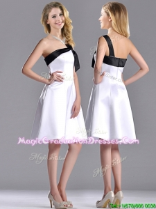 Exquisite One Shoulder Satin Short Graduation Dress in White and Black