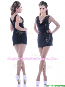 Latest Column Low Cut Neckline Sequined Graduation Dress in Black