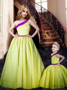 Floor Length A-line Sleeveless Yellow Graduation Dresses Lace Up
