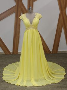 Yellow Short Sleeves Lace and Appliques Zipper Graduation Dresses