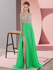 Chiffon Sleeveless Graduation Dresses Sweep Train and Beading