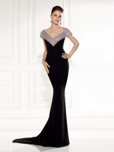 Brush Train Mermaid Graduation Dresses Black V-neck Chiffon Sleeveless Backless