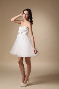 White Sweetheart Short-Length Graduation Dress with Appliques and Flowers