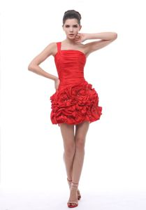 Red One-Shoulder Mini-Length Ruched Graduation Dress with Beading and Rosettes