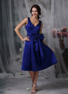 V-Neck Straps Tea-Length Royal Blue Graduation Dress with Big Bowknot in Killin