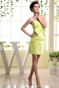 Yellow Green Strapless Short-Length Ruched Graduation Dress with Big Bowknot
