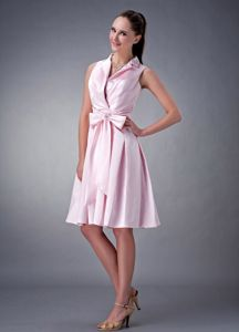 Baby Pink Knee-Length V-Neck Graduation Dress with Turndown Collar and Bow