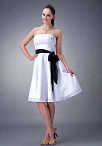 White Strapless Knee-Length 8th Graduation Dress with Ruching and Black Belt