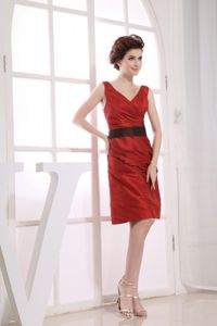 V-neck Neckline Wine Red Taffeta Black Sash School Anniversary Party Dress in Albany
