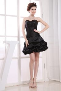 Sweetheart Neckline A-line Pick-ups Black Taffeta School Winter Party Dress in Lansing