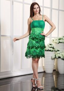 Green Mini-length Satin Cute Graduation Dresses with Appliques in Muncie
