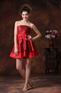 Red Mini-length Strapless College Graduation Dresses with Bowknot in Urbana