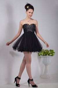 Black Sweetheart Organza Mini-length Junior Graduation Dresses with Beading