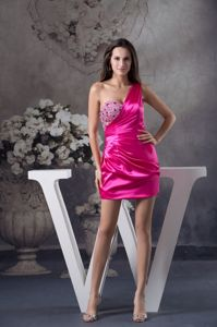 Fuchsia One Shoulder Short taffeta Senior Graduation Dress with Beading