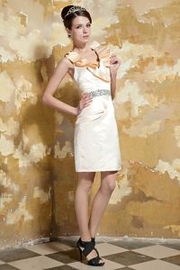 Light Yellow V-neck Mini-length Senior Graduation Dress with Beading