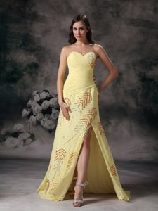 Yellow Sweetheart Chiffon Elegant Graduation Dress with Beading in Ogden