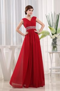 Empire V-neck Waist Red Cute Graduation Dresses in Leven with Beaded Decorated