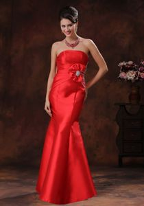 Strapless Red College Graduation Dresses in Auchtermuchty with Beaded Decorate