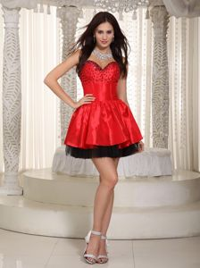 Red and Black Sweetheart Evening Dress for Graduation in Killin with Beading