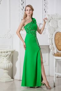 One Shoulder Green Junior Graduation Dresses in Kelso with Flowers Accent