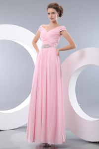 Baby Pink Empire V-neck Chiffon Beads Evening Dress for Graduation in St. Andrews