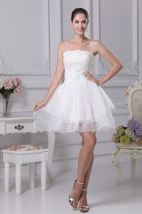 Strapless Short White with Appliques Graduation Dresses for 8th Grade in Gauldry