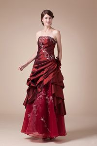 Wine Red Strapless Floor-length Graduation Dresses for Juniors with Embroidery