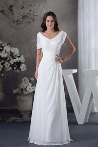 Cheap White V-neck Floor-length 5th Grade Graduation Dresses in West Burlington