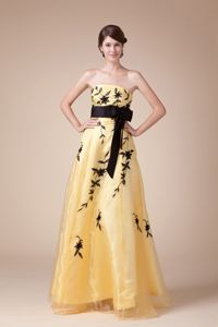 Appliqued Strapless A-line Floor-length Eighth Grade Graduation Dresses in Yellow