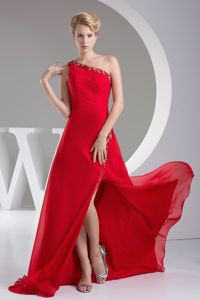 Appliqued One Shoulder High Slit Red College Graduation Dress with Brush Train