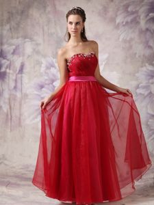 Red Sweetheart Floor-length Graduation Dress for Girls with Beading and Ruching
