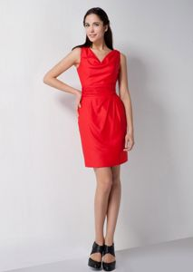 Simple Red V-neck Knee-length Middle School Graduation Dresses in Wolf Lake