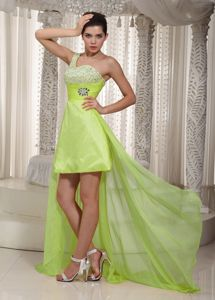 One Shoulder High-low Yellow Green Graduation Dress for College in Mokena