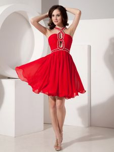 Straps Short Graduation Dresses for High School in Red with Criss-cross Back