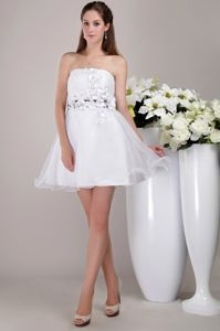 Lovely White Strapless Mini-length High School Grad Dresses with Appliques