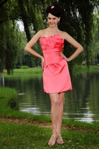 Watermelon Red Ruffled Strapless Short Graduation Dresses for High School