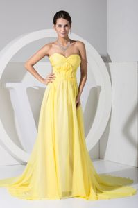 Sexy Low Back Yellow Sweetheart Watteau Train Formal Graduation Dress