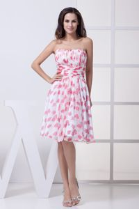Knee-Length Strapless Floral Printed Fabric Graduation Dress with Ruching