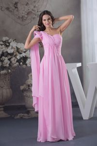 Pink Floor-Length Ruched Graduation Dress with One-Shoulder Watteau Train