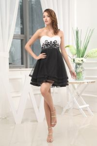 Mini-Length Sweetheart Graduation Dress with Beading and Appliques in Crinan